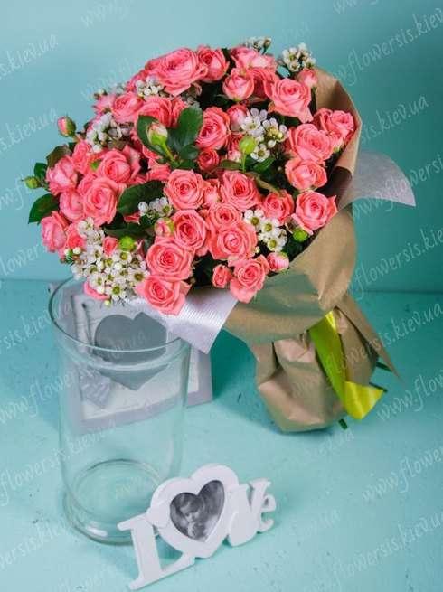 Букет своим руками из кустовых роз