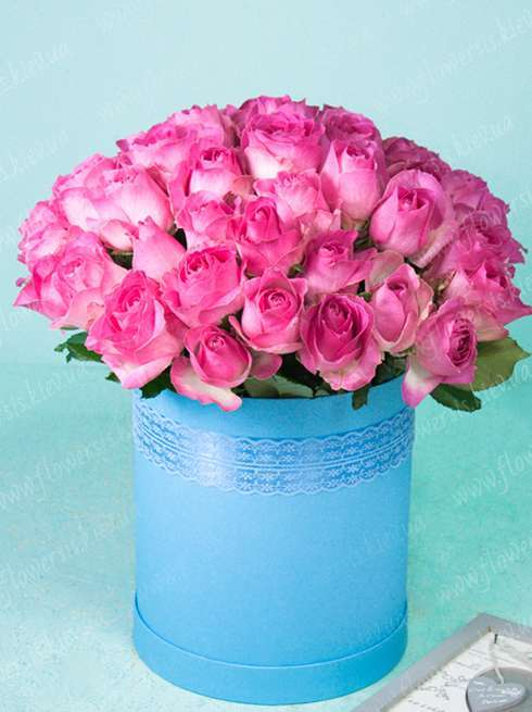 e9adc88ace0 Big hat box of 51 pink roses