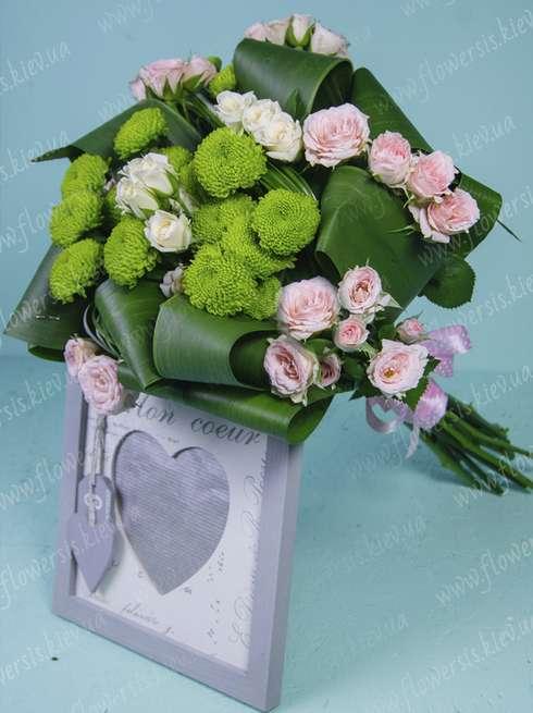 986e2e2ba388d2 Букети квітів із троянд на замовлення Київ Україна, доставка кур ...